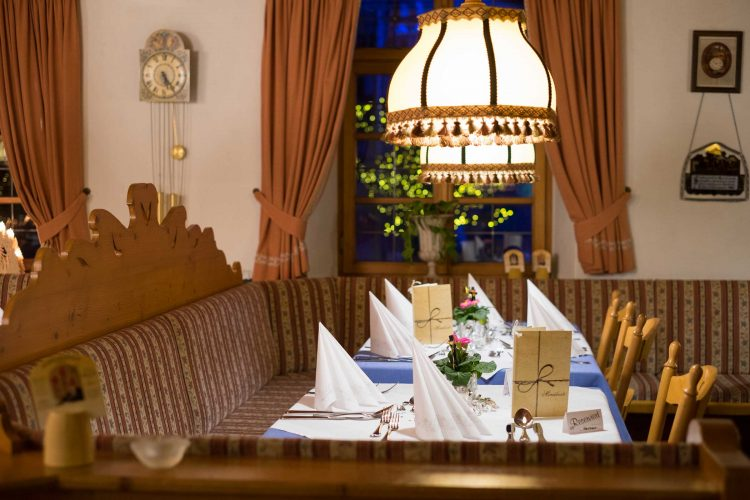Zum Ochsen Hotel Restaurant Reservierung